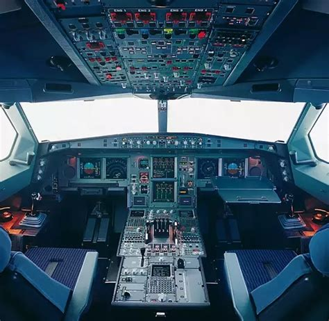 Are there any big differences in the cockpit between an