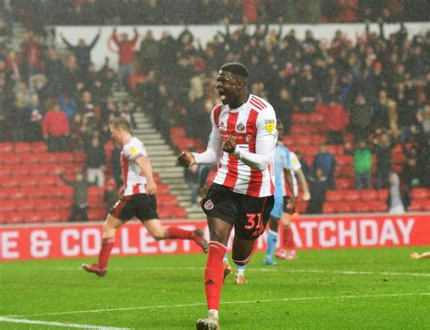 Sunderland close to agreeing contract with free agent