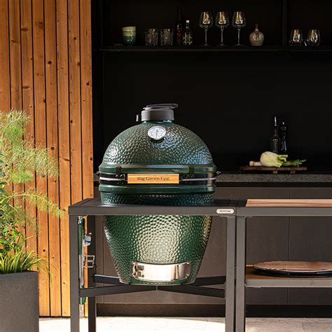 Big Green Egg | The perfect outdoor kitchen for your Big