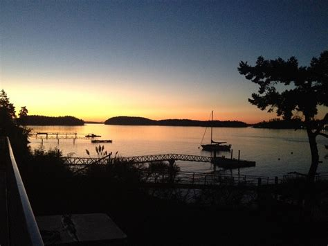 Boat access oceanfront paradise! | Sidney, British